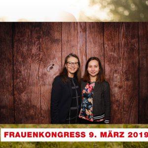 Ramona Schumann (l.), Bürgermeisterin in Pattensen, mit ihrem Mentee Lisa Marie Mariß